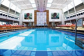 Pool Celebrity Silhouette(c)celebrityCruises
