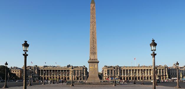 Die Place de la Concorde mit dem Obelisk.