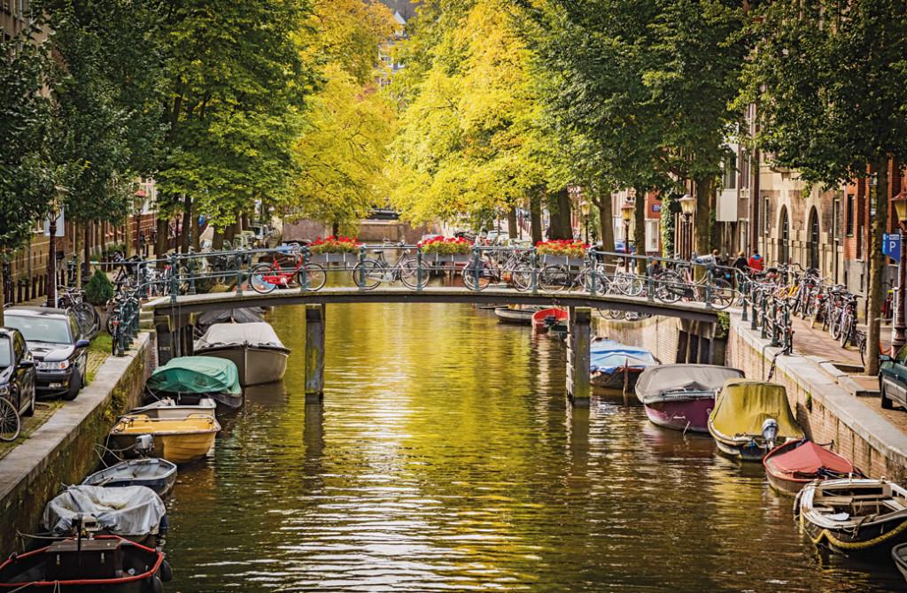 Einer der vielen Grachten in Amsterdam