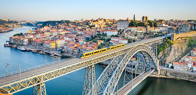Die berühmte Brücke Dom Luís I.