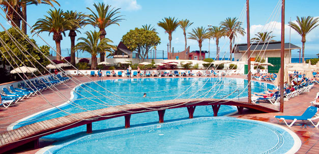 Der Pool vom Hotel Troya
