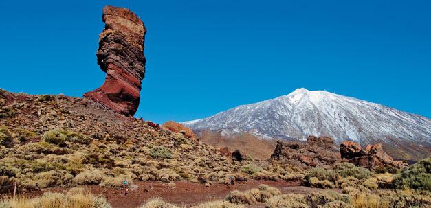 Im Hintergrund der grösste Berg Spaniens - Berg Teide