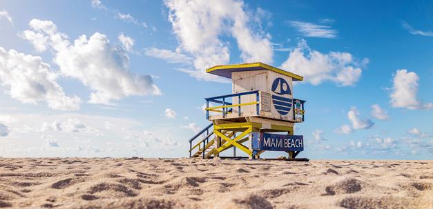 Miami Beach mit einer der berühmten Life-Guard Hütten